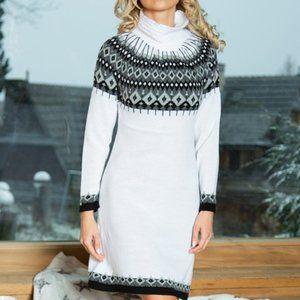 FOBYA White & Gray Diamond Knit Sweater Dress